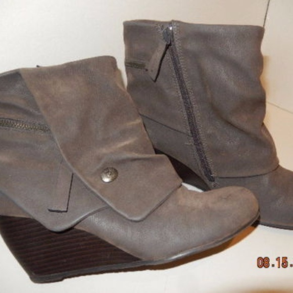 d206653a454 Blowfish Shoes - BLOWFISH MALIBU Gray Faux Suede Wedge Ankle boots
