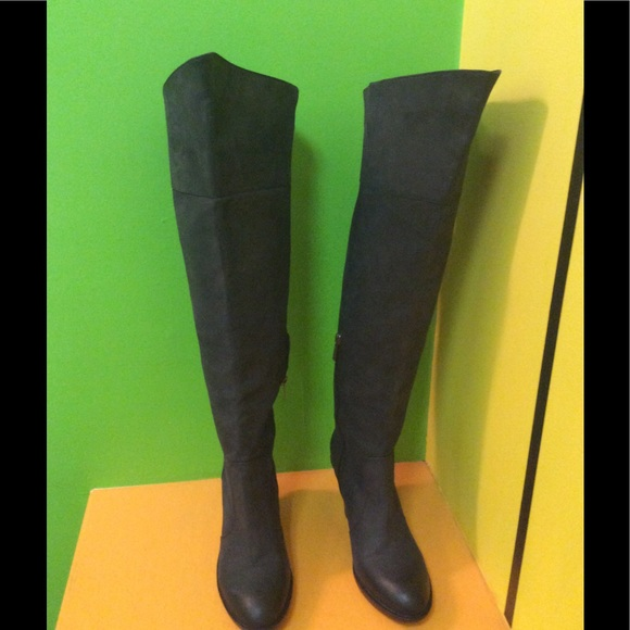 9dd985fab5e Kenneth Cole Shoes - Kenneth Cole Women s Size 10 over the knee boots