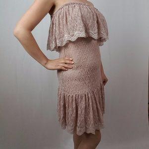 MODA INTERNATIONAL LACY DRESS MEDIUM