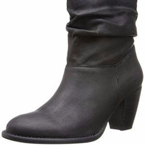 💰NWOT Steven leather nubuck bootie