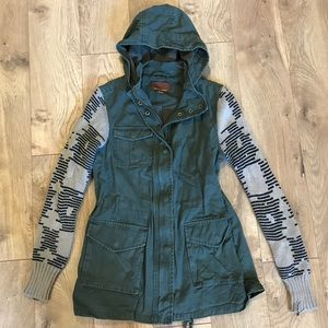 Army jacket with knit sleeves