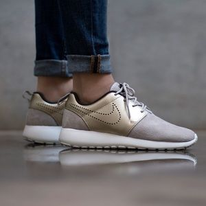 on sale 90ddb c75ab Nike Shoes - Nike Roshe One Premium Suede with shoe protector