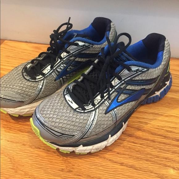 62d37221d88 Brooks Other - Boys Brooks running shoes