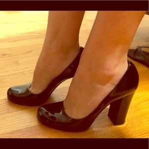 Marc by Marc Jacobs black patent leather heels