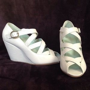 New FARYLROBIN leather wedge heel Sz 7 color gray