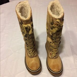 Pajar water proof boots size 7-7.5.