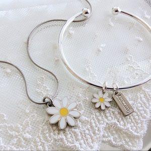SET! White Daisy Charm Necklace & Bracelet