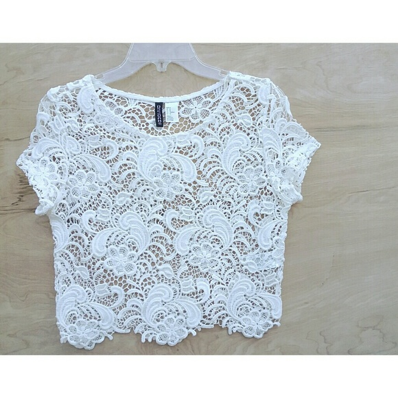 fed4f7284d715 NWT H M Divided white knitted crop top medium