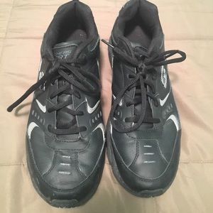 Skechers tenis shoes