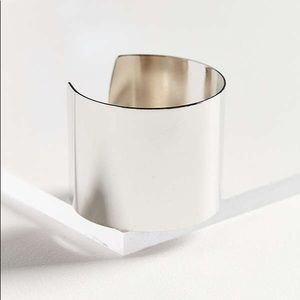 NWT UO ⚡️ Sleek Statement Cuff