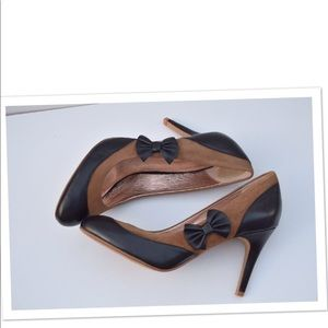 Anthropologie Miss Albright bow pumps