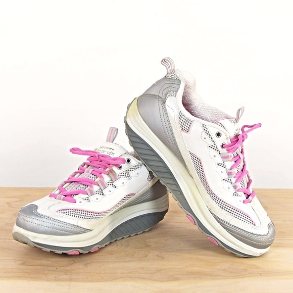 b53396d85794 Skechers Shape Ups Women Size 9 Sneaker. M 59d846b44225be8bb00353a4. Other  Shoes ...