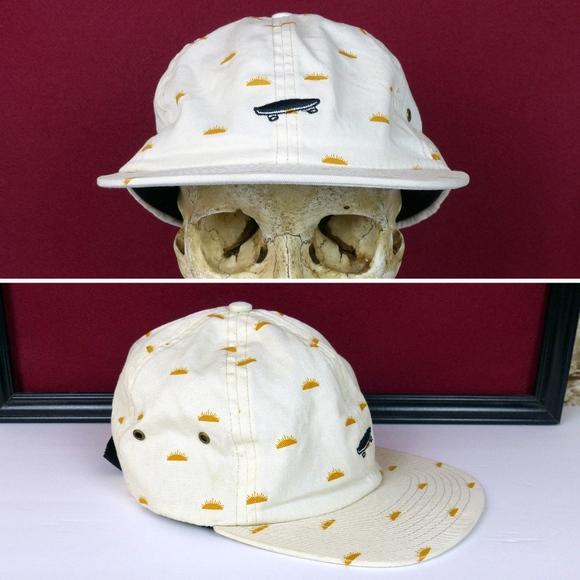 a76158ee615 Vans Skate Men s Salton Creme Del Sol Hat Cap. M 59d84740f0137d850303516f