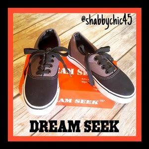 Dream Seek Grey and Black Lace-up Sneakers