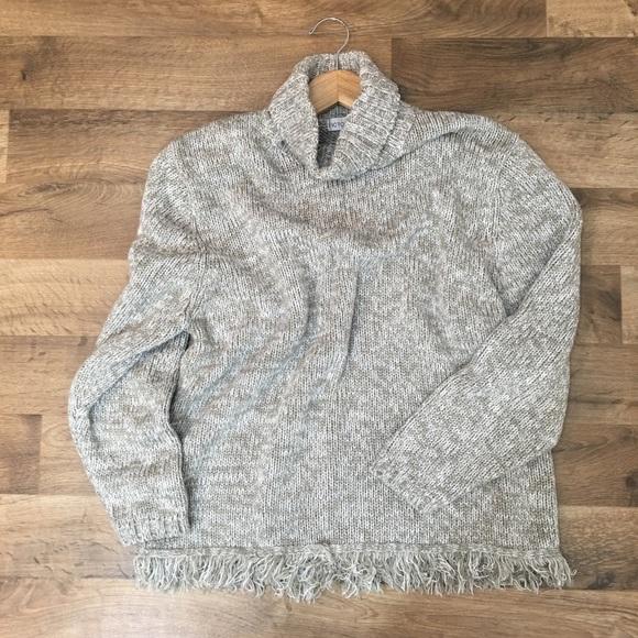 Victoria Jones Woman Sweaters - Vintage Victoria Jones fringe hem XL sweater