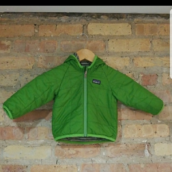ccc9c18ef Patagonia Baby Reversible Puff-Ball Jacket. M_59d8ceef6a5830f6e40454f2