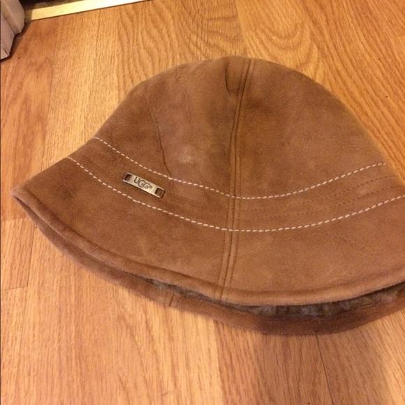 a1dea10c99aec UGG women s suede winter hat. M 59d8e1894225be317c048c5a