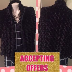 * RARE* CEJON ACCESSORIES ZIP UP FUR VEST SIZE M