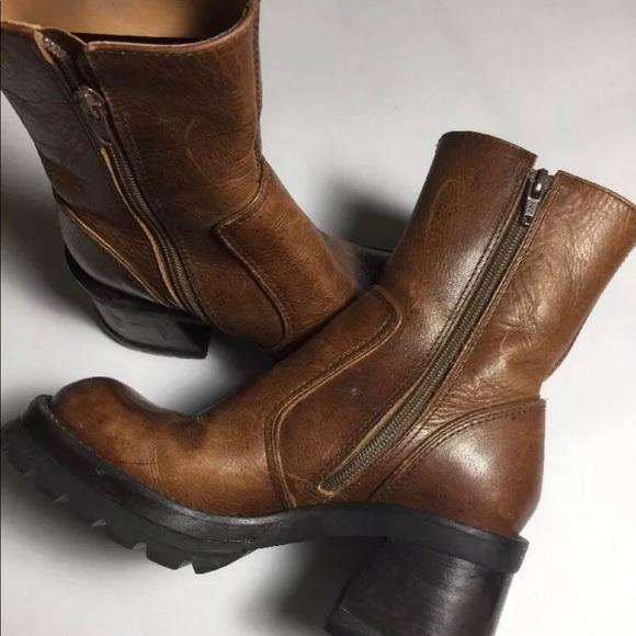 008deca0f3e Vintage 90's Steve Madden chunky boots