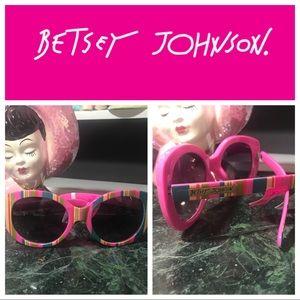 NWT Betsey Johnson Retro Pink Sunglasses