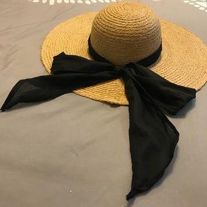 Accessories - Straw beach hat
