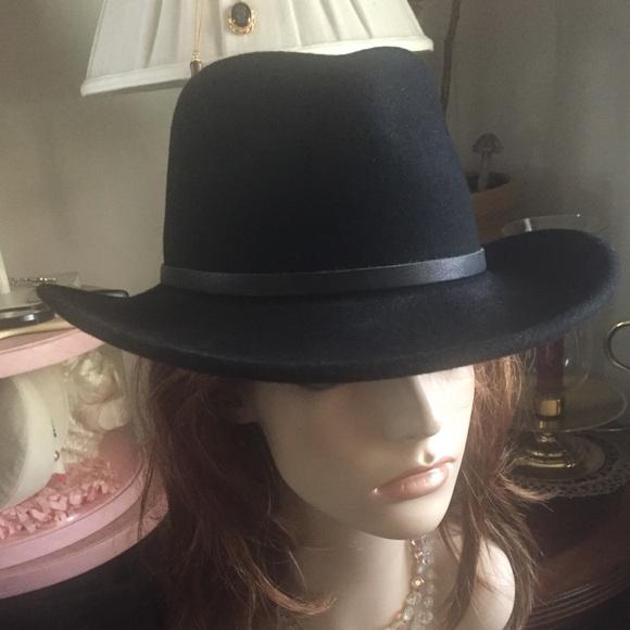 LITE FELT ~ HENSCHEL HAT CO. Accessories - Black Wool Cowboy Hat fe178178018e