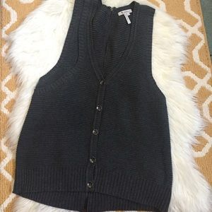 bcbgeneration sleeveless cardigan size M