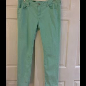 a.n.a. Mint Green Sz 33/16 Jeans