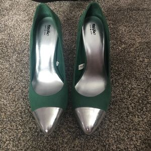 Green and silver pumps