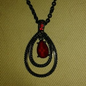 SALE! 1928 necklace red stones gunmetal blk