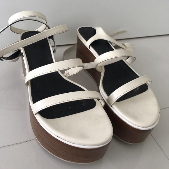 e46dc1e1c15 TiBi Meiko platform sandals. M 59d904de4e8d176e01051aa3
