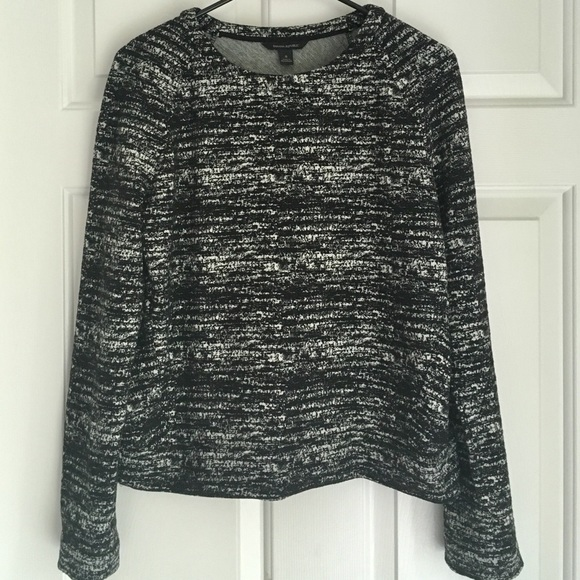 Banana Republic Tops - Banana Republic Black + White  Sweatshirt - Sz XS
