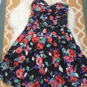 strapless floral express dress size 6