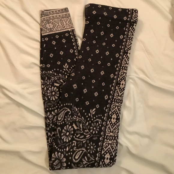 49895cdb2205f American Eagle Outfitters Pants | Ae Ahhmazingly Soft Patterned ...