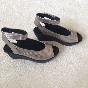 Steve Madden Babelle Silver Black Wedge Sandal