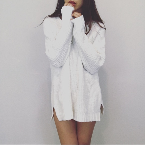 Brand new baby white baggy sweater-hug me from Woowaa's closet on ...