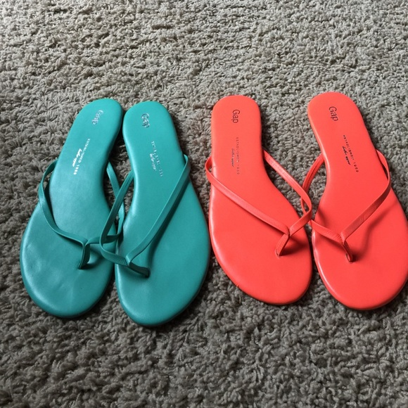 d942004c9 GAP Shoes - 2 pair of GAP leather flip flops worn 2x s