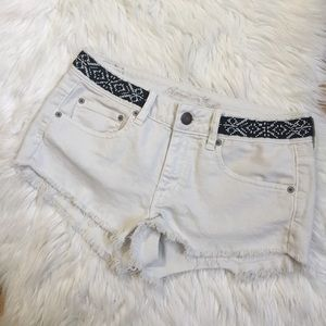 american eagle white jean cutoff shorts size 6