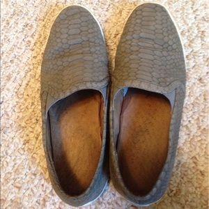 Joie kidmore sneakers