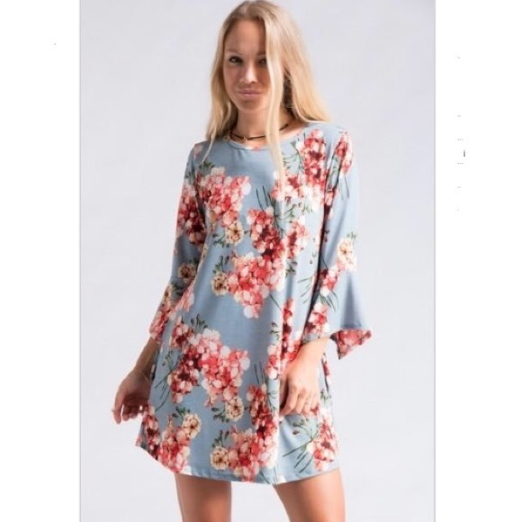 Dresses & Skirts - S-XL Floral print bell sleeve dress