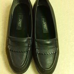 Navy Leather Slip On EUC
