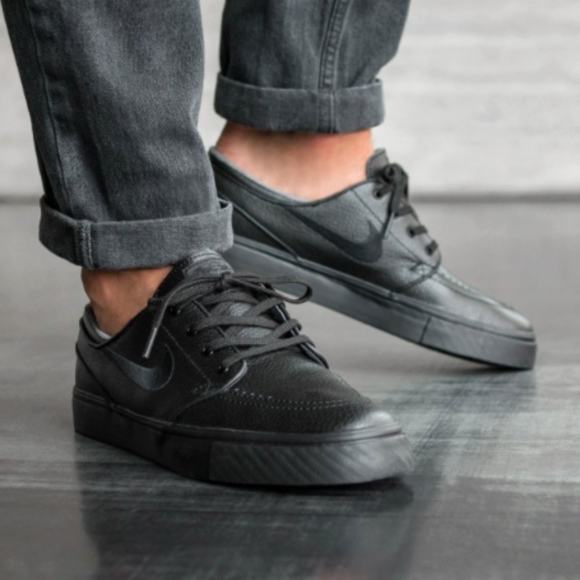 cheap for discount ef766 4563d Nike SB ZOOM STEFAN JANOSKI LEATHER Mens Shoes