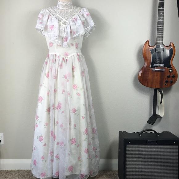 Vintage Dresses   Gunne Sax Floral Lace Ruffle Prom Dress   Poshmark