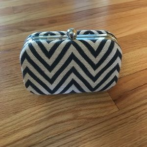 Loft knit chevron clutch