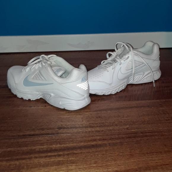 danés Emociónate tener  Nike Shoes | View Iii Drc Rolling Rail Athletic | Poshmark