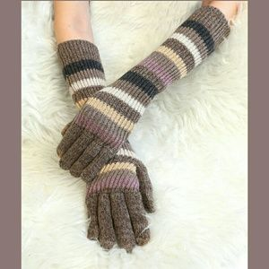 Accessories - 🌟TAUPE & WHITE ELBOW GLOVES🌟