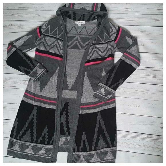 5c45a300331 Derek Heart Sweaters - Derek Heart Aztec Print Long Hooded Cardigan LG