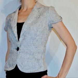 Gray and white short sleeved blazer