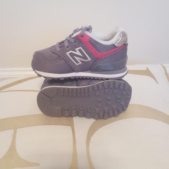 new balance 574 size 4