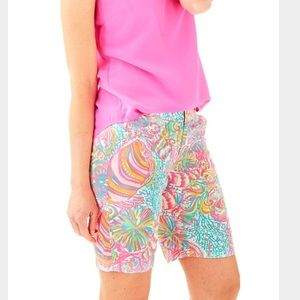 """Lilly Pulitzer NWT Chipper 10"""" Short in Swish Fish"""